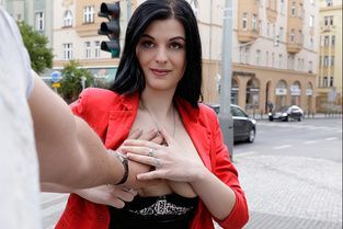 Czech Gal Gets Picked Up Video & Alice Nice - Public Pick Ups