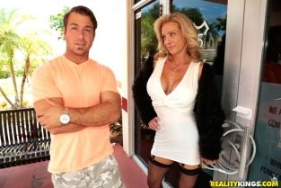 RealityKings - Raquel Sultra in Milf Hunter video: Sultry Raquel