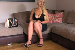 FakeAgent UK - Blonde wannabe works agents cock like a pro