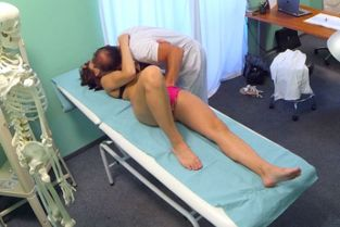 Fake Hospital - Horny teen gets creampied by doctor
