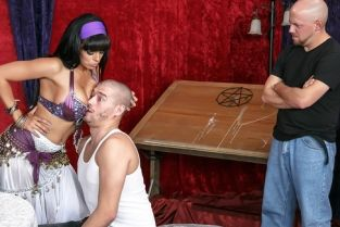Whore-O-Scopes Luna Star, Xander Corvus
