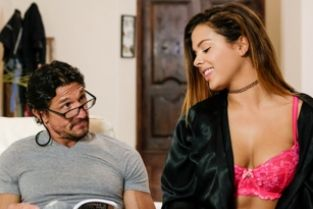NuruMassage - Supportive Stepdad: Part One Keisha Grey, Tommy Gunn
