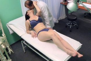 Fake Hospital - Double cumshot for petite Russian