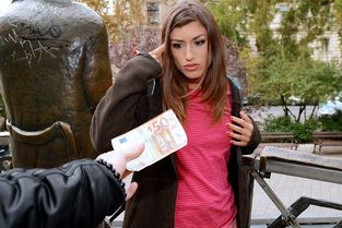Spanish Beauty Gives Messy Head Video & Julia Roca - Public Pick Ups
