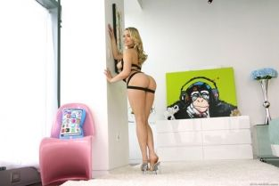 EvilAngel - Mia Malkova Hot-Assed Mia's Twat And Mouth Drilled