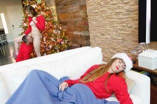 FamilyStrokes - Niki Snow A Taste Of The Holidays