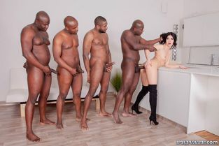 Private - Lady Dee Four BBCs