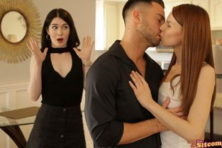 ThatSitcomShow - Evelyn Claire, Jillian Janson Friends With Benefits The One With Monica And Rachel