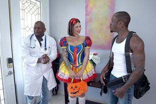 BangTrickery - Ivy Lebelle Goes Trick Or Treating For Double Penetration