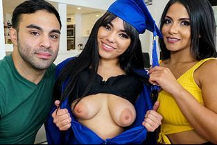 FilthyFamily - Rose Monroe, Julz Gotti Julz The Virgin Fucks Her Step Parents