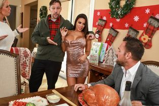Luna Star Horny For The Holidays Part 3 BigButtsLikeItBig