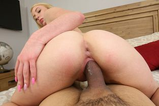 KinkyFamily - Dixie Lynn I blew a load in my stepsister