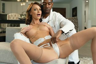 New Sensations - Emma Hix Emma Is Hot For Her Bull's BBC Picture