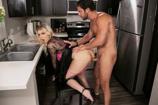 Kenzie Taylor Kenzie Chooses Dick Over Dishes DayWithAPornstar