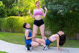 LilHumpers - Lauren Phillips, Jane Wilde The Humper And The Humpette