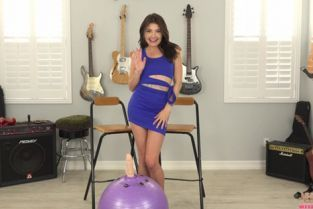 JerkOffWithMe - Adria Rae Home Workout Routine
