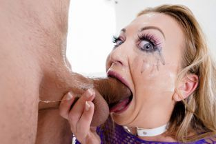 Throated - Adira Allure Putting Her Heart And Soul Into It