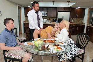 FreeuseFantasy - Kenna James, Kylie Kingston Step Family Dinner