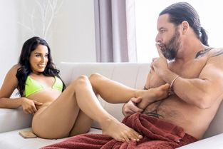FamilyStrokes - Vanessa Sky Into The Giving Mood