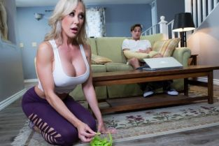 Brandi Love, Lucas Frost Making A Mess On Stepmom [Best of Brazzers]
