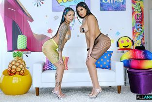 AllAnal - Paisley Paige, Serena Santos Anal Party