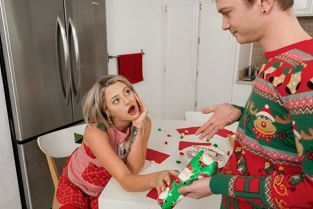 OnlyTeenBlowJobs - Harmony Rivers A Christmas Cocksuck