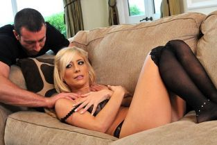 Jordan Ash, Tasha Reign Paying Too Much Attention [Best of Brazzers]