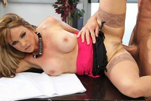 Tommy Gunn, Shayla LaVeaux The Cock Makes The Suit [Best of Brazzers]