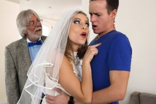 Britney Amber, Justin Hunt A Package Deal [Best of Brazzers]