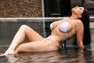 Romi Rain, Ricky Johnson Pounded By The Pool [Best of Brazzers]