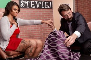 Steve Holmes, Halle Hayes Hide The Pickle [Best of Brazzers]