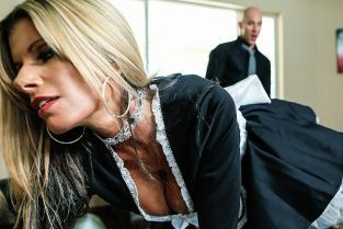 Johnny Sins, Kristal Summers Laid by the Maid [Best of Brazzers]