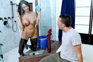 Ariella Ferrera, Keiran Lee Laying the Cleaning Lady [Best of Brazzers]
