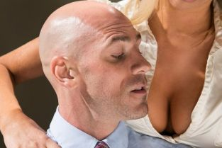 Tasha Reign, Johnny Sins Subtle Suck [Best of Brazzers]