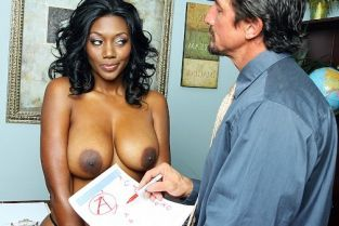 Nyomi Knox, Tommy Gunn Backroom Pussy For A Pass [Best of Brazzers]