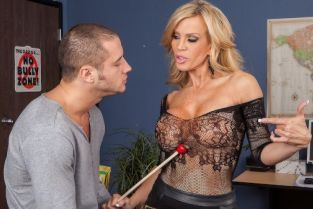 Danny Mountain, Amber Lynn Hussy For Hire [Best of Brazzers]