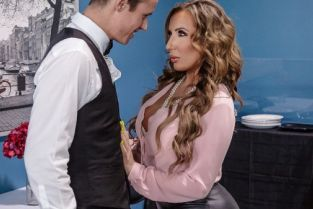 Justin Hunt, Richelle Ryan Christening the Cougar [Best of Brazzers]