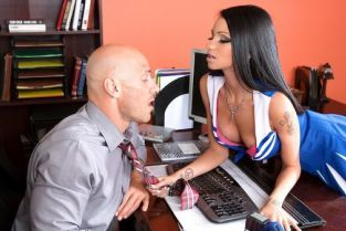 Johnny Sins, Raven Bay Prom Whore Wars : Part One [Best of Brazzers]
