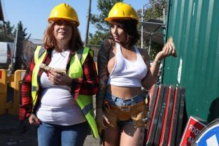 Danny D, Ivy Lebelle Cock-Calling On The Job Site [Best of Brazzers]
