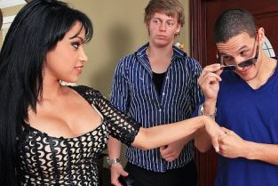 Cris Commando, Abella Anderson That's What Friends Are For [Best of Brazzers]