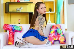 TrueAnal - Holly Hendrix Stretching Holly's Backdoor