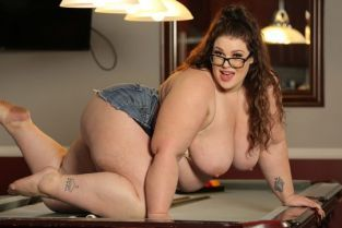 PlumperPass - Luna Lark Pool Table Trouble