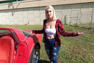 BangRoadsideXxx - Indica Monroe Indica Monroe Gets Her Engine Checked Out
