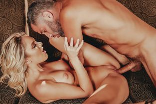 Spizoo - Kenna James Busty Blonde Kenna James Loves Riding A Big Cock