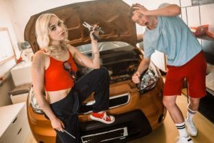 PrettyDirtyTeens - Marilyn Sugar Sexy young mechanic needs her pussy sucked