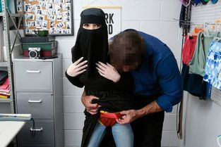 Shoplyfter - Delilah Day Religious Theif