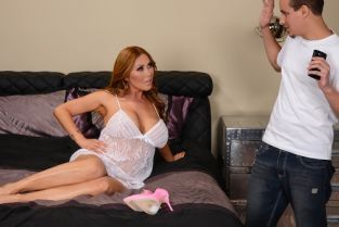 Sonny Nash, Kianna Dior Selfies With Your Mom [Best of Brazzers]