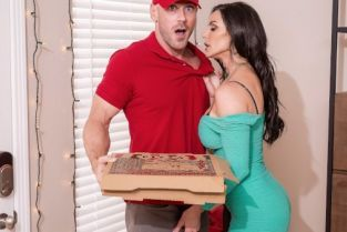 Johnny Sins, Kendra Lust Fuck Christmas Part 4 [Best of Brazzers]