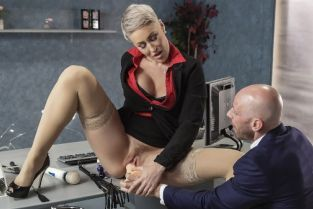 Johnny Sins, Ryan Keely Product Placement In Her Pussy [Best of Brazzers]