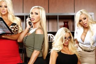 Nikki Benz, Nina Elle, Keiran Lee, Summer Brielle, Courtney Taylor Cuarteto en la Oficina VI [Best of Brazzers]